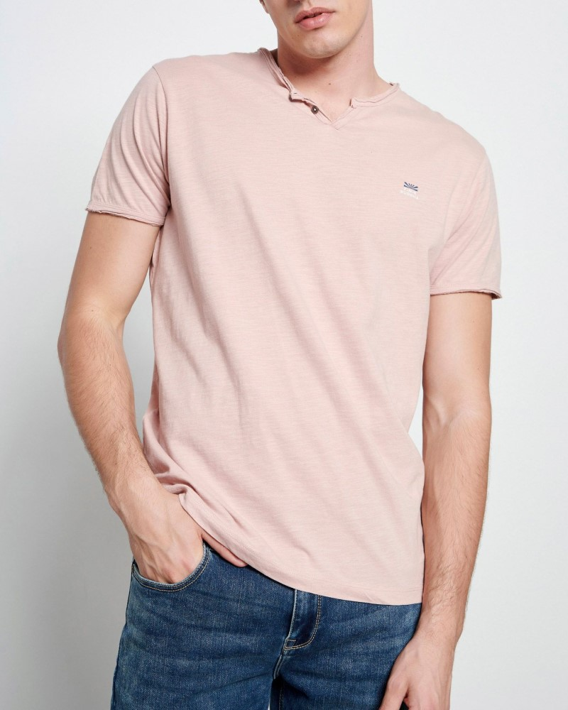 ESSENTIAL T-SHIRT ΜΕ ΛΑΙΜΟ HENLEY - DK PINK